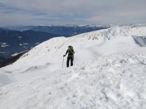 Claudia erreicht den Gipfel