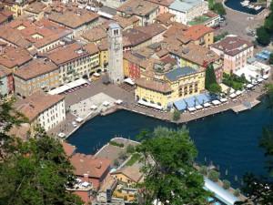 Tiefblick nach Riva