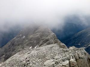 Rückblick vom Gipfel auf die Sägezähne