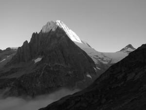 Stockhorn und Bietschhorn im Morgenlicht