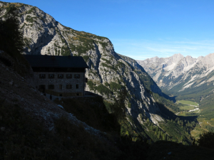 Blick hinaus ins Karwendeltal