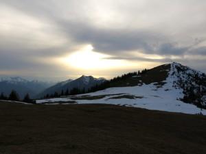 Der Gipfel des Wank, links dahinter die Kramerspitze