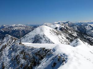 Am Gipfel der Fleischbank mit den nächsten beiden Gipfeln in Blick