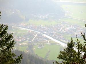 Tiefblick nach Eschenlohe