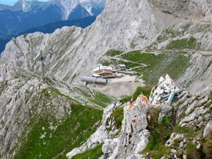An der Bergstation der Karwendelbahn endet unsere Bergtour.