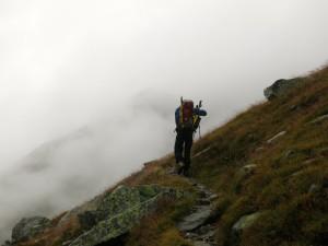 Ein letztes Mal steigen wir in den Nebel auf.