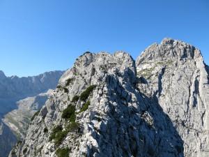 Der Gipfel ist nicht mehr weit, doch noch gilt es, einige Türme zu überklettern.