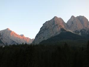 Alpspitze und Waxensteine im Abendlicht