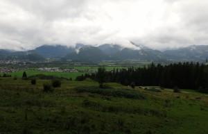 Bei trübem Wetter starteten wir oberhalb von Ebbs.