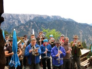 Blasmusik an der Vorderkaiserfeldenhütte