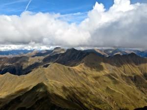 Gipfelblick in die nördlichen Sarntaler Alpen