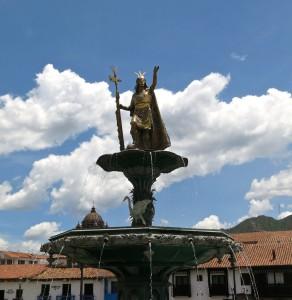 Standbild von Manco Cápac auf der Plaza de Armas
