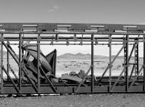Alte Waggongerioppe stehen In der Wüste ebenso...