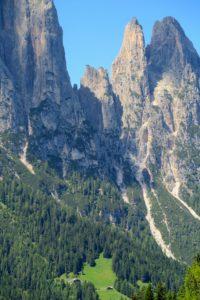 Die beeindruckenden Felsspitzen von Euringer und Santner