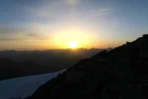 Tagesbeginn am Gipfel