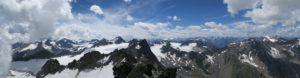 Herrlicher Rundblick am Gipfel