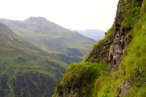 Solch schmale Steige kenne ich in den Alpen sonst nur aus der Schweiz.