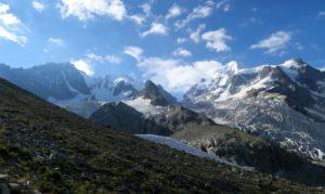 Morgendliches Panorama von Bernina bis Roseg