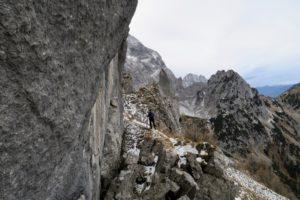 Der Pfad von der Torscharte zum Gipfel ist eigentlich gut erkennbar.