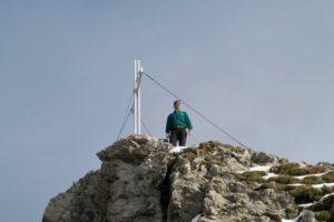 Jochen ist schon am Gipfel.