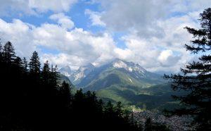 Hinter Mittenwald der Wetterstein