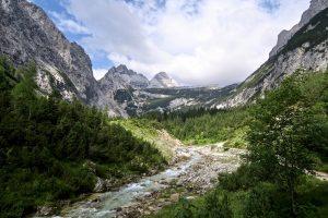 Auch oberhalb der Steilstufe bleibt das Reintal landschaftlich reizvoll.