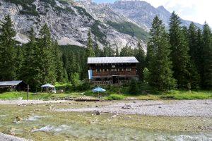 Die hübsche Reintalangerhütte