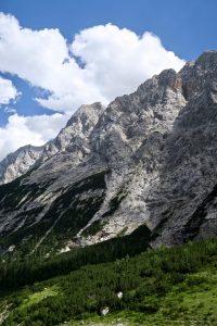 Rückblick - links der Bildmitte sieht man das Aufstiegsband