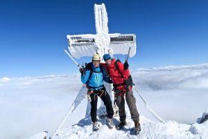 Boris und Robi freuen sich über unseren Gipfelerfolg.