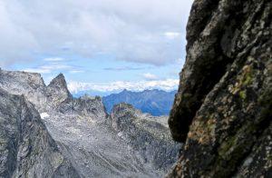 Am Zwischenstand zeigen sch kurz die Walliser Alpen.