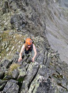 Leichte Kletterei im oberen Gratteil.