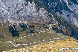 Tiefblick zum Karwendelhaus