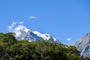 Die Eisgepanzerte Südseite des Mount Tutoko