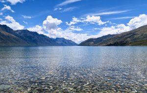 Lake Wakatipu besticht durch sein herrlich klares Wasser.