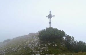 Dieses Kreuz steht nicht an der richtigen Stelle.