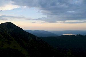 Der Gipfel kommt in Sicht - und der Tegernsee auch.