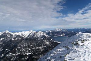 Am Gipfel des Simetsberges