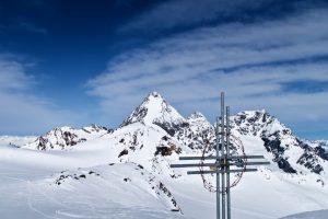 Am Gipfel der Tre Cannoni fällt der Blick auf Königspitze, Zebru und Ortler.
