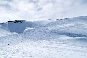 Am Gipfelhang herrscht leichtes Gewusel.
