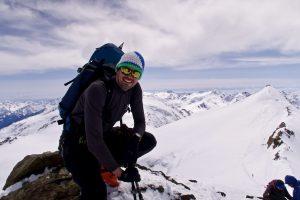 Ein Gipfelfoto mit Cevedale im Hintergrund geht noch.