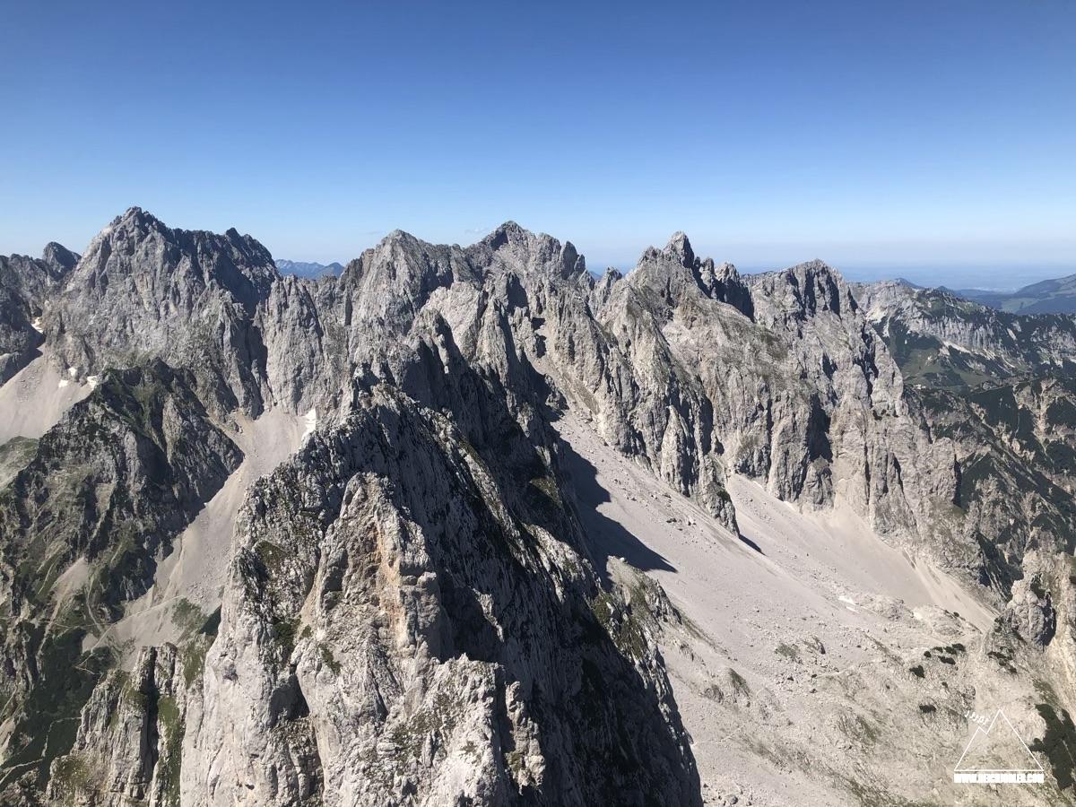 Gipfelblick Regalmwand