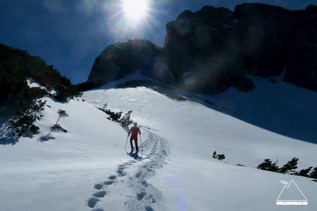 Abstieg Schneewühlen